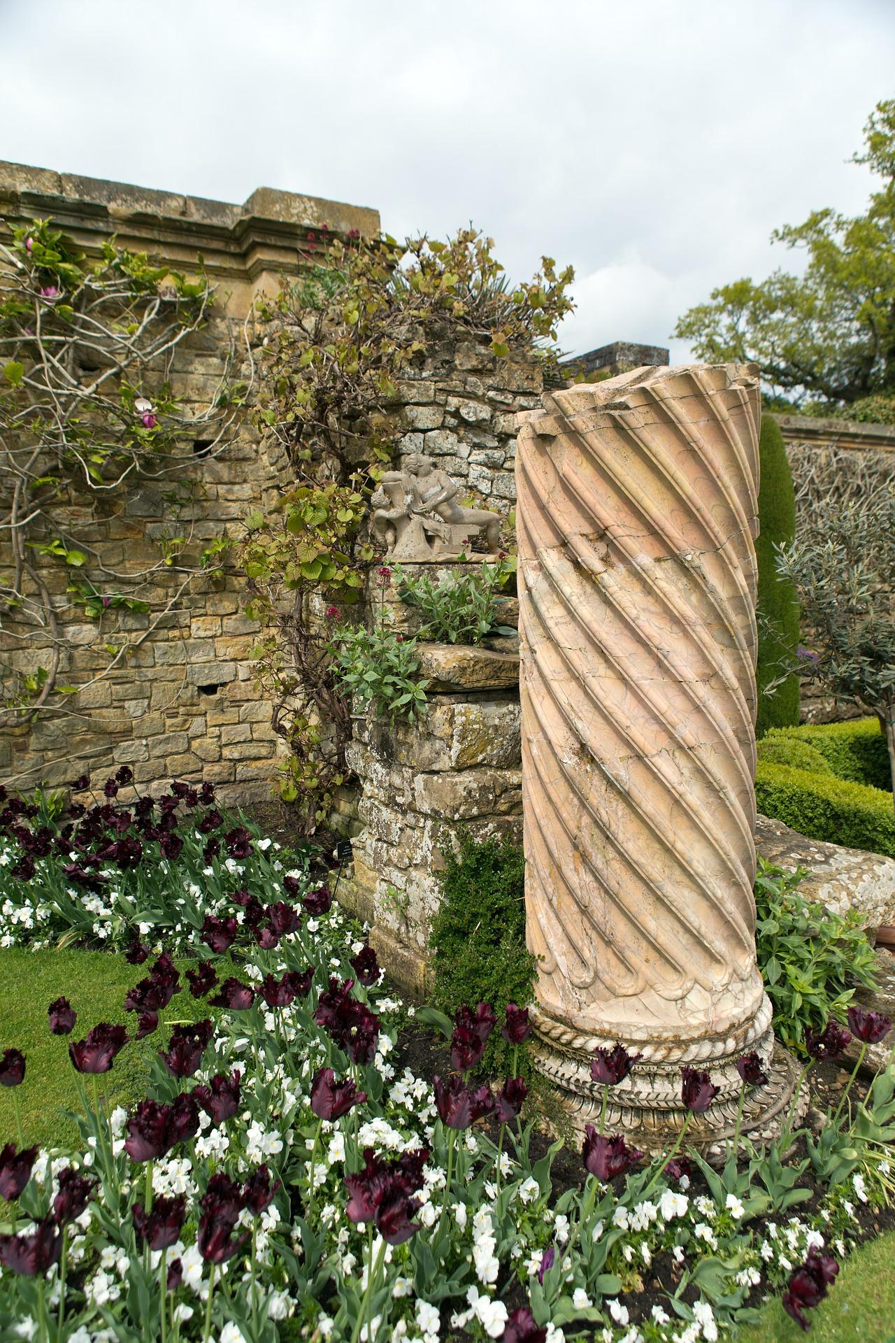column-hever-castle